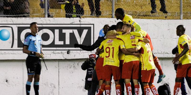 Aucas toma ventaja en la serie ante Barcelona