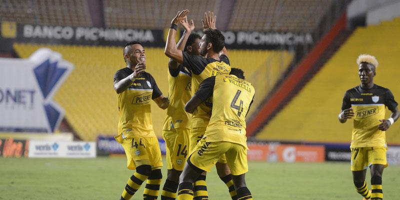 Barcelona SC venció a Delfín SC en el Monumental