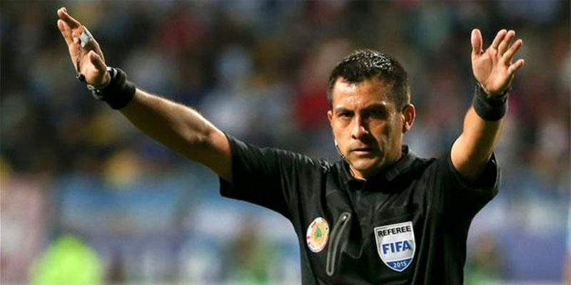 Bascuñán árbitro de Perú - Brasil con custodia policial