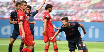 Bayern Munich goleó al Leverkusen y dio un paso más hacia el título