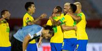 Brasil doblegó a Uruguay en el estadio Centenario